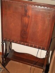 Vintage Antique Console Radioand039s Atwater Kent Model 40. Works