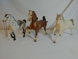Vintage Traditional Breyer Collectible Horse Lot of 3 with saddle all marked