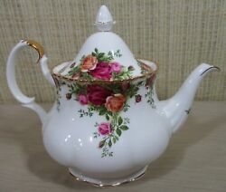 Royal Albert China Old Country Roses Large Lidded Tea Pot Holds 6 Cups England