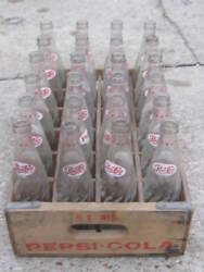 N. W. Wis Dotted Neck Vintage Pepsi Pepsi Cola Wood Crate And 24 Bottle 10 Oz