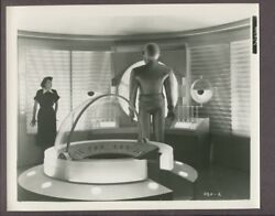 The Day The Earth Stood Still 1951 Original Photo Gort And Patricia Neal J3364