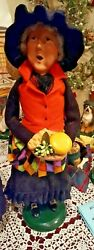 Byers Choice Adult Witch W/tray Of Cheese Halloween Fun