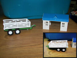 Toy Ag Plastic Farm Vehicles Hay Trailer And Barn 7x3 Set Of 2 Nice