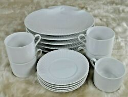 Vintage Mid Century Discontinued Laslo For Mikasa White Shell 15 Setting For 5