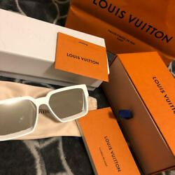 LOUIS VUITTON MILLIONAIRES WHITE New Unused with all the accessaries 2251MN