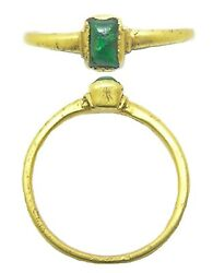 13th-14th Century Medieval Gold And Emerald Finger Ring Size 8 3/4