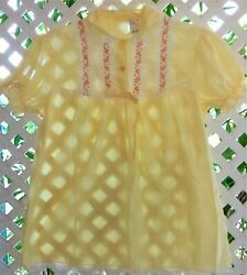 VINTAGE  MOVIE STAR REALLY CUTE YELLOW SHEER DACRON & LACE BABY DOLL TOP M38-40