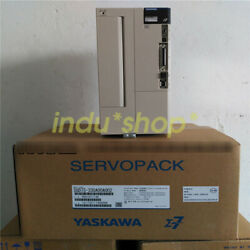 One New Sgd7s-330a00a002 Servo Driver Yaskawa 4.4kw Fast Delivery