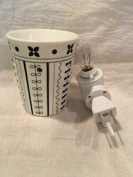 Scentsy Warmer Plug In Nightlight DISCONTINUED Bud Gently Used