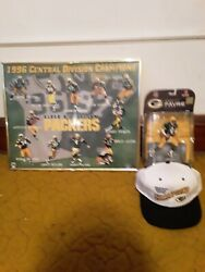 Nfl Players Brett Favre Action Figure W/sb 31 Cap And 1996 Division Champ Poster