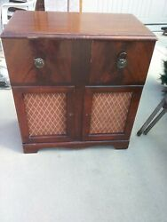 Antique Console Radio Silverstone Model Parts Or Maybe The Whole Unit Vintage