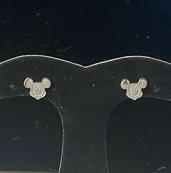 Sterling Silver Mickey Mouse Face Stud Earrings2.3g.
