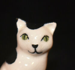 Early Hagen Renaker Black And White Sitting Cat Figurine