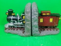 Vintage Universal Statuary Corp Chicago 1964 Heavy Train Caboose Bookends F2