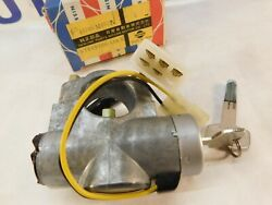 Datsun F10 Ignition Switch And Lock Assembly 48700-m4925 New Old Stock 1976-1978