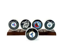 Wayne Gretzky Signed Autographed 5 Hockey Pucks