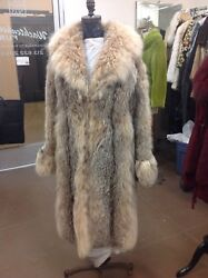 Canadian Lynx Coat Pre-owned Superb Style Shaped Body Shawl Collar Long Sleeves