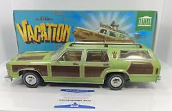 Greenlight 1/18 National Lampoonandrsquos Vacationsigned Chevy Chase Family Truckster