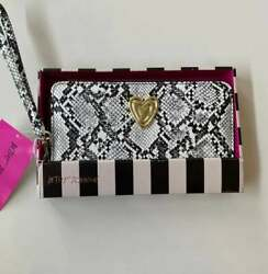 BETSEY JOHNSON WRISTLET WALLET ZIP AROUND CHOOSE NIB AUTHENTIC FAST SHIPPING $29.99