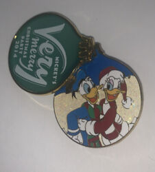 Disney Pin Donald Daisy Duck Very Christmas Party 2014 Stained Glass Ornament Le
