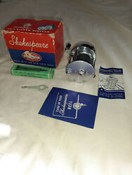 Shakespeare Criterion Deluxe Level Winding Reel 1960 W/original Box And Wrench