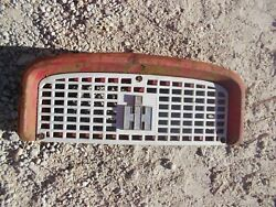 Farmall Ih 460 560 Rc Tractor Front Top Nose Cone Grill Bonnet Holder W/ Emblem