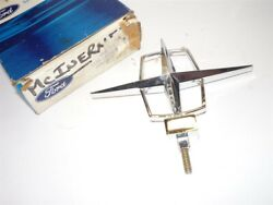 1961 Lincoln Continental Hood Ornament Nos C1vy-16850-b