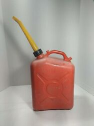 Scepter 2 1/2 Gallon Plastic Vintage Gas Can 1410