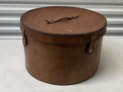Large Beautiful Antique Leather Hat Box With Felt Lining And Lid With Clasps