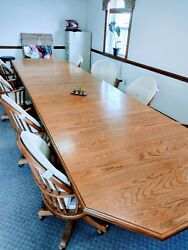 Solid Oak Large Dining/conference Room Table And 9 Comfy Swivel/rocking Chairs