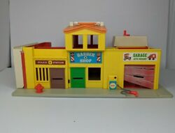 Vintage 1973 Fisher Price Little People Toy 997 Family Play Village Town City