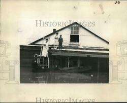 1936 Press Photo Family Of Three Rescued From Flood Waters Of Ohio River
