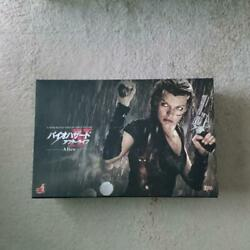 Resident Evil Hot Toys 1/6 Scale Figure