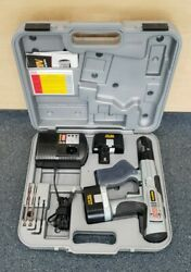 Senco Duraspin Ds200 14.4 V Cordless Drill Fastening System Pre-owned W/ Case