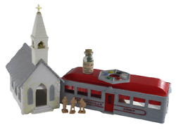 Vintage O Gauge Plasticville Collection - Includes Church, 3 Figurines And Din