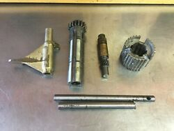 Triumph Tr2 Tr3 Tr3a • Assorted Early Style Transmission Gearbox Pieces.  T2547