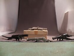 Marx Alamo Cannon Barrel Lot Two Gray And Two Black