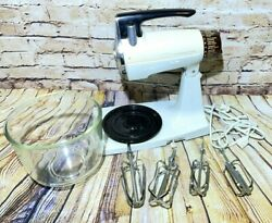 Vintage Sunbeam Mixmaster Stand Up Mixer With Mixing Bowls And 4 Beaters