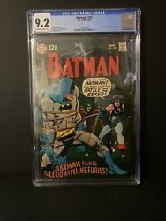 Batman 210 Cgc 9.2 Oww Pages Catwoman Dons A New Costume 1969 Bondage Cover