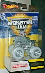 Hot Wheels Monster Jam 2017 25 Years 1992-2017 Grave Digger Silver Collection