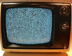Vintage 1976 Crt Sears Solid State Portable Television