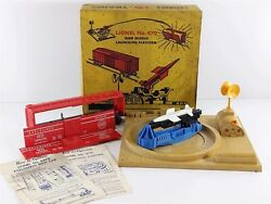 Lionel 470 Missile Launching Platform And 6470 Exploding Box Car O Scale Yellow