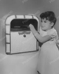 Lindstrom Toy Jukebox 1948 Classic 8 By 10 Reprint Photograph