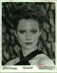 1990 Press Photo Actress Lauren Holly In Ford Fairlane Movie - Nop38014