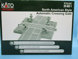 Kato N Scale Automatic Crossing Gates - North American Style - 20-652-1