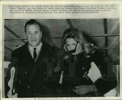 1965 Press Photo Henry Ford Ii And Bride Leave London Airport For Switzerland