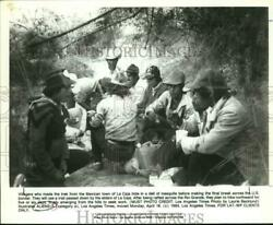 1984 Press Photo Mexicans from La Caja hide before crossing US border for work