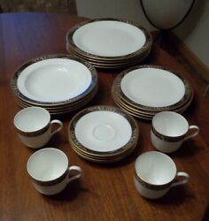 Mikasa 20 Piece Place Setting In Royal Glimmer Fine China Pattern