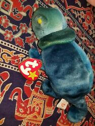 *RARE* Ty Beanie Baby 9 inch. The Iguana Chameleon with production flaws