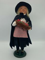 Byers Choice Halloween Witch Holding A Basket Of Apples - Dated 2014 Signed